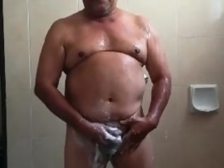 mexican Mexican dad showering dad