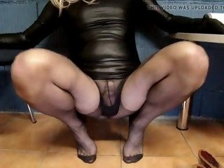 cum Cum no hands in pantyhose hands
